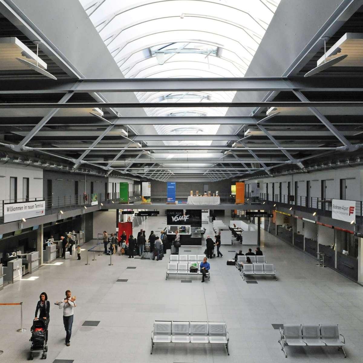 Bodensee-Airport Friedrichshafen | Friedrichshafen • Optimale Tageslichtnutzung im Neubau des Flughafen Terminals in Friedrichshafen