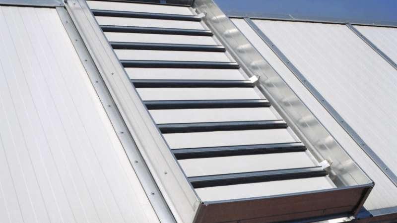 IMO Oberflächentechnik GmbH   Königsbach • Der Lamellenlüfter ist sowohl mit Kunststoff als auch mit Aluminiumlamellen lieferbar.