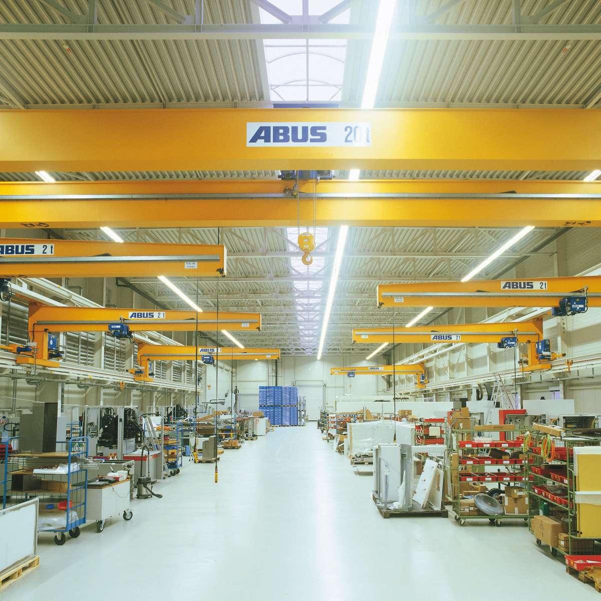 exeron GmbH | Oberndorf • Gleichmäßige Ausleuchtung der Produktionshallen unter Einhaltung der Brandschutzvorgaben beim Neubau einer Industriehalle.